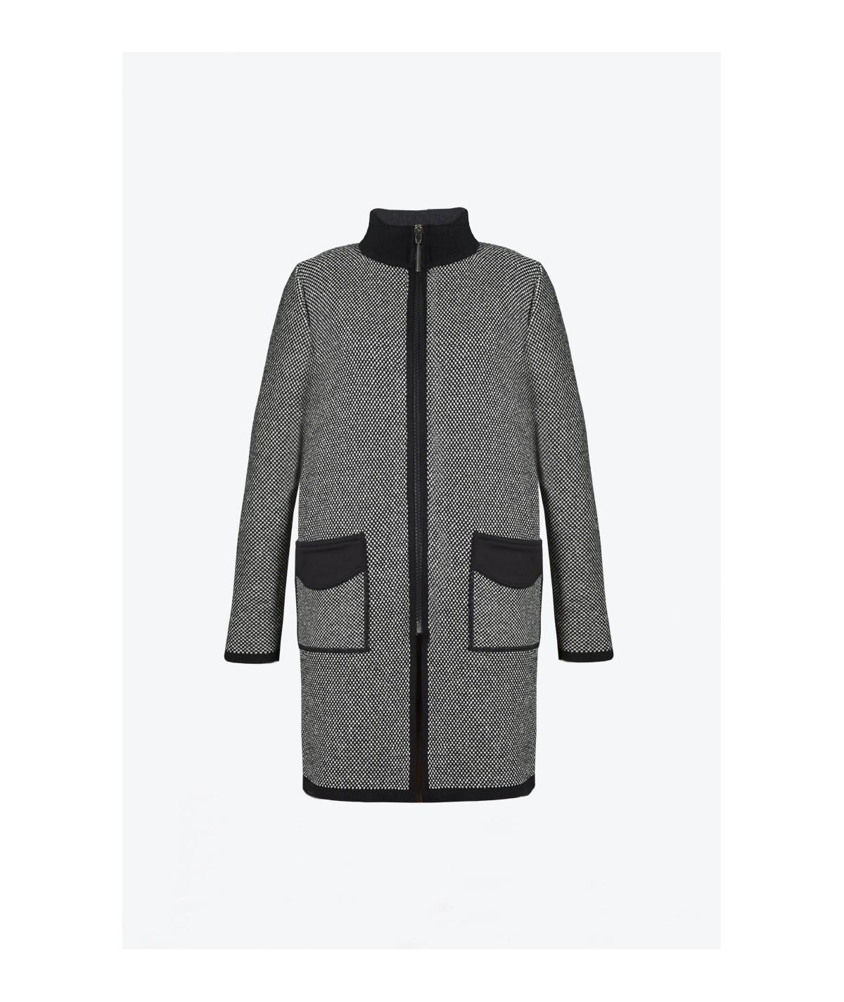 S02 Tail-Coat